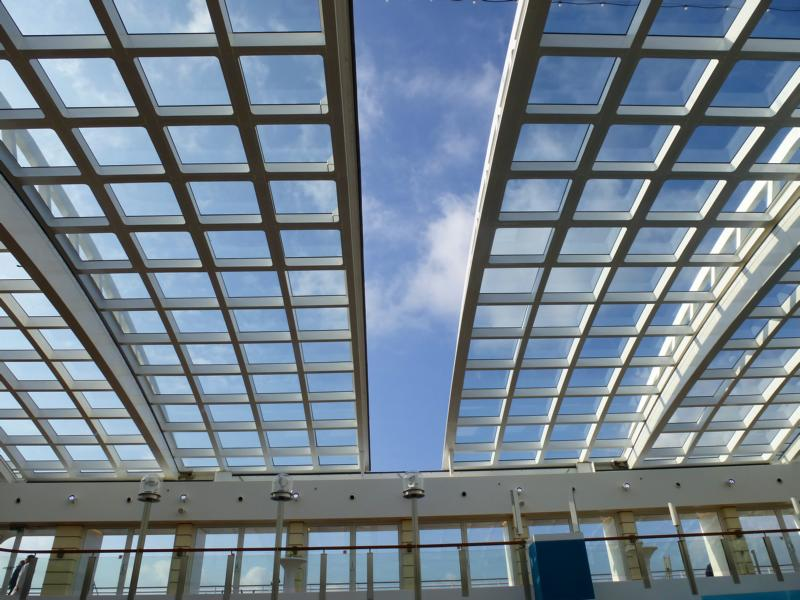 Panoramic retractable glass roof : roof translate - memphite.com